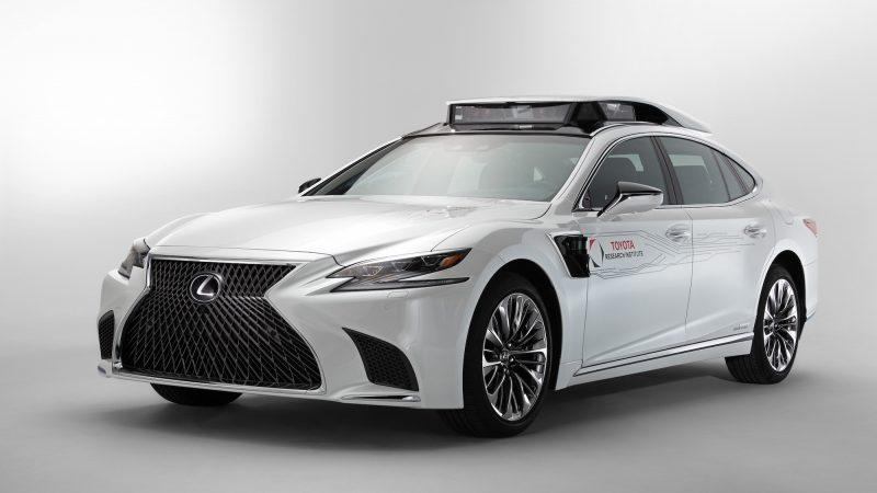 [CES 2019] 토요타 LS500H로 예측하는 자율주행차 디자인 트렌드
