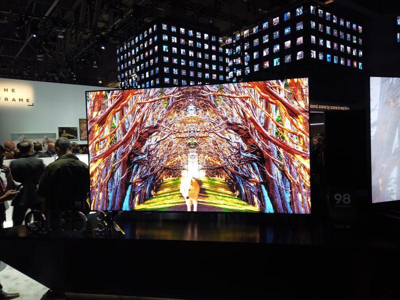 [CES 2019] LG와 삼성 신제품 TV 실물 느낌