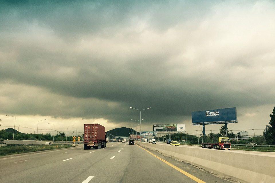 2019년 2분기 유통업계 날씨는 '계속 흐림'