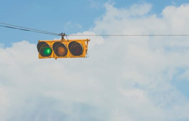 카카오가 카카오뱅크로 가는 길에 초록불