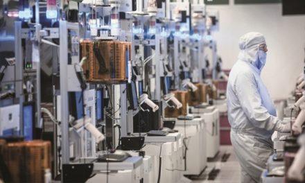 """반도체·디스플레이 스마트팩토리, 자동화 100% 달성…""""분석에 힘 쏟을 때"""""""