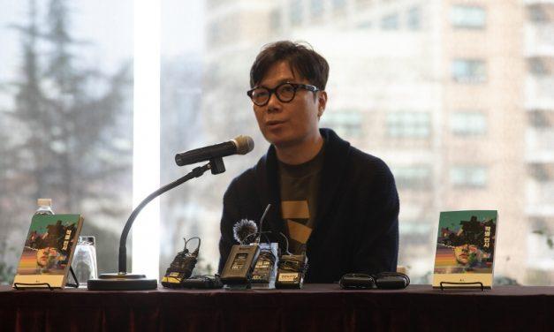 """김영하가 말하는 """"인간다움이란 무엇인가"""""""